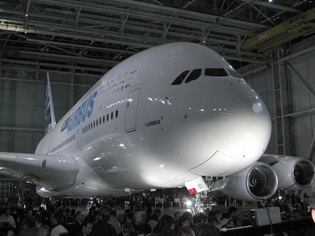 800px-A380_Reveal_1